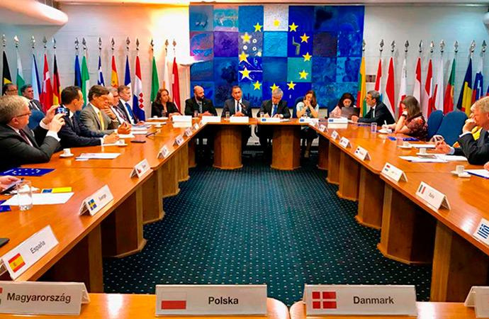 Waldez apresenta consórcio da Amazônia Legal à União Europeia