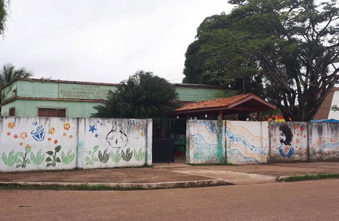 Em Santana, 300 servidores da educação ainda não receberam o mês de dezembro