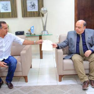 Assembleia aprova auxílio de R$ 120 para 31 mil famílias do Amapá