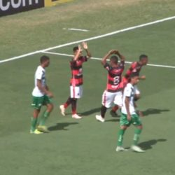 Trem sai na frente, cede o empate, mas avança na Copinha
