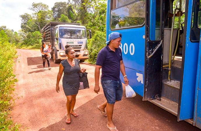 Agricultores do Ramal do Totóia passam a ser transportados em ônibus