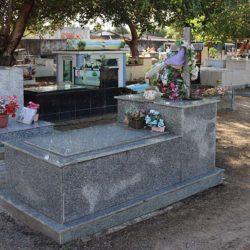 Cemitério de Santana é fechado para visitações. Sepultamentos têm restrições
