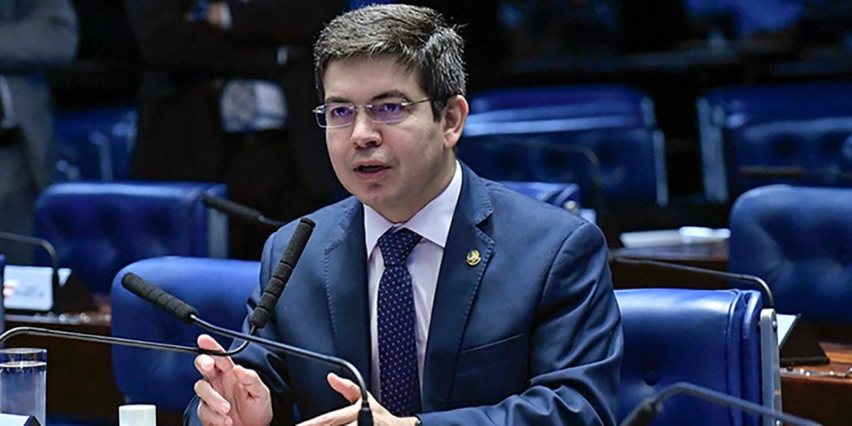 Senador quer que governo agilize e descentralize pagamento o auxílio emergencial