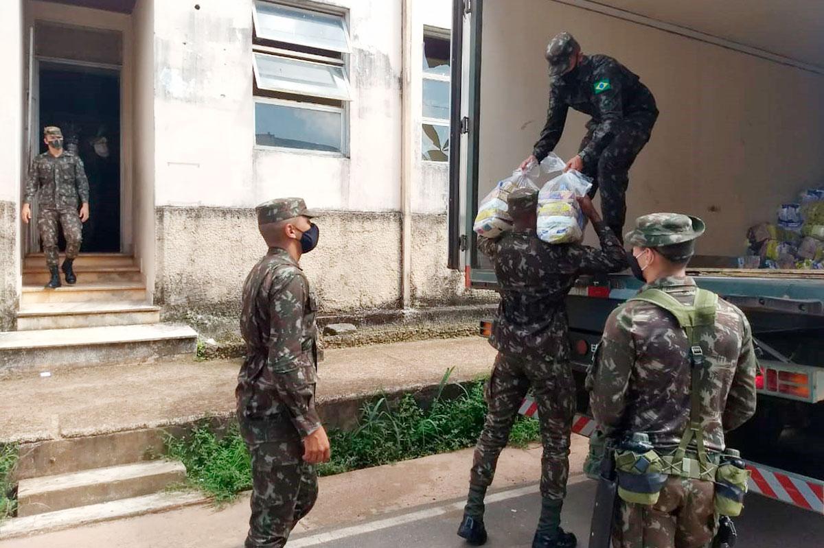 Exército inicia última etapa da entrega de cestas de alimentos no Amapá