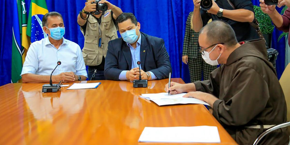 Parceria vai atender 7 mil pessoas com cirurgias oftalmológicas no Amapá