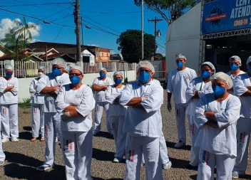 Funcionários do Centro Covid Santana cobram pagamento de salários atrasados