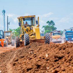 Governo aproveita o verão e retoma terraplanagem na Duca Serra