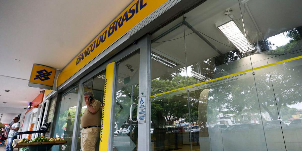 Bancos só voltam a funcionar na quarta-feira de Cinzas