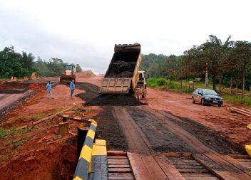 Após 29 dias, ponte sobre o Igarapé Ranolfo é concluída pelo Dnit