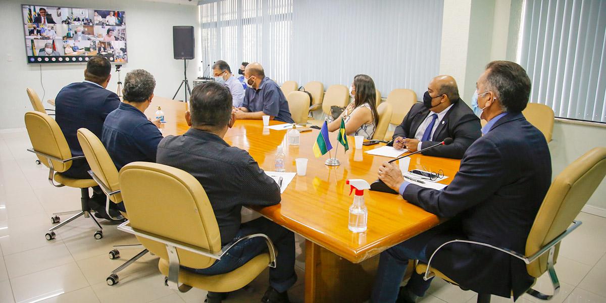 Em reunião com Pazuello, Waldez cobra mais doses de vacinas contra a Covid-19