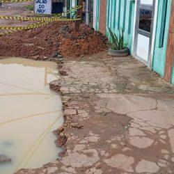 Buraco aberto pela Caesa provoca transtornos a moradores do Hospitalidade
