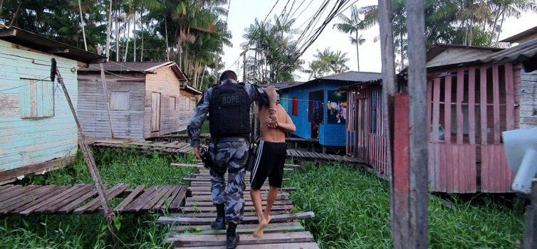 Operação combate tráfico de drogas na 'Ponte do Apertadinho'