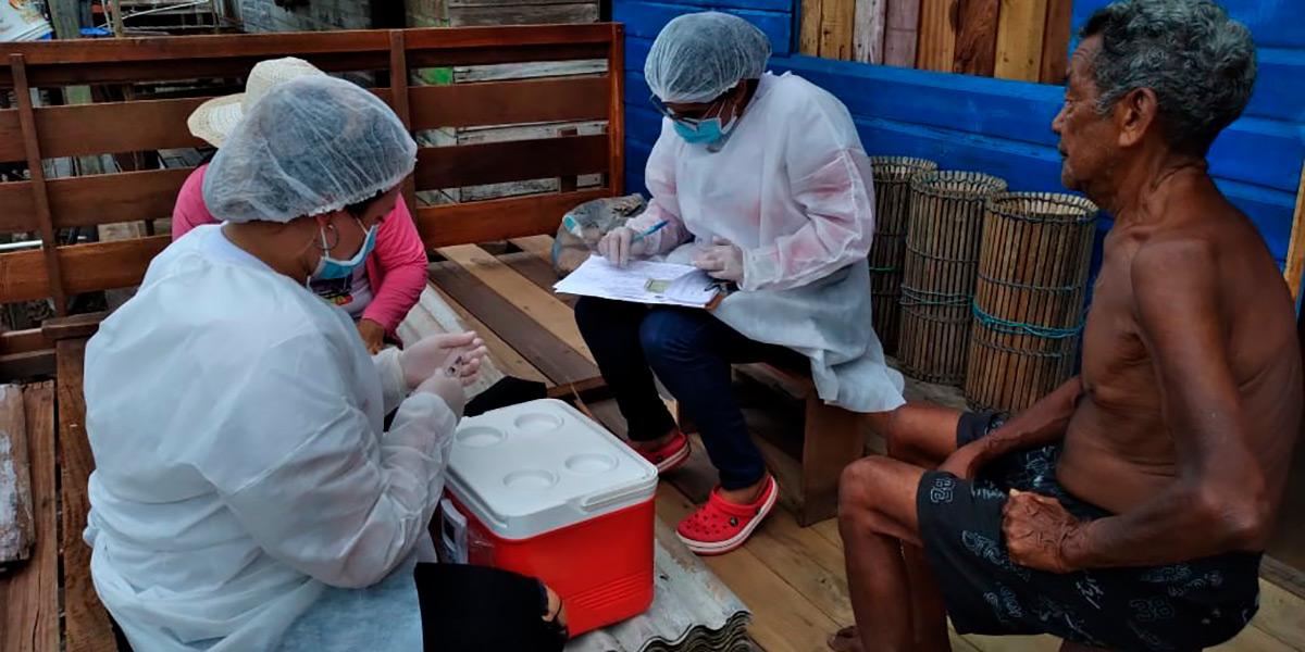 Vacinação contra a Covid-19 chega às comunidades ribeirinhas de Santana