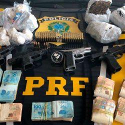 Motorista é preso com drogas, armas, munições e dinheiro