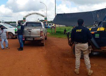 Moradores de três municípios do Amapá interditam trecho da BR-210