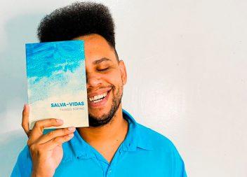 Thiago Soeiro lança seu primeiro livro impresso de poemas