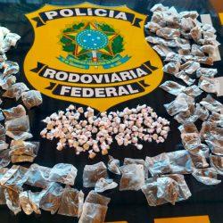 Motociclista é preso em flagrante com mais de 300 porções de drogas