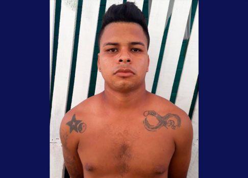 Assaltante morre em troca de tiros com policiais militares