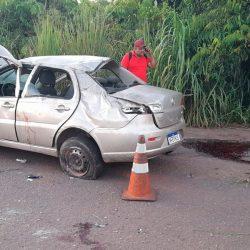 Motorista perde o controle, capota o carro e morre na Rodovia Salvador Diniz