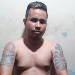 Mesmo baleado, criminoso faz família refém em Macapá