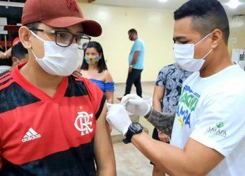 Amapá decide manter vacinação dos adolescentes de 12 a 17 anos