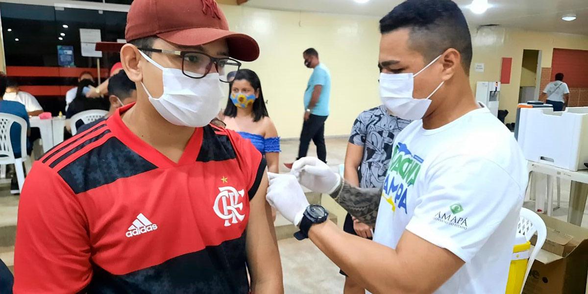 Santana inicia vacinação para adolescentes de 12 anos