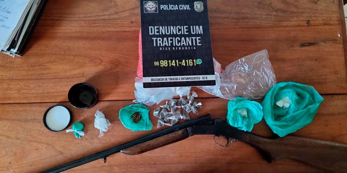 Homem é preso em flagrante com drogas e espingarda calibre 22